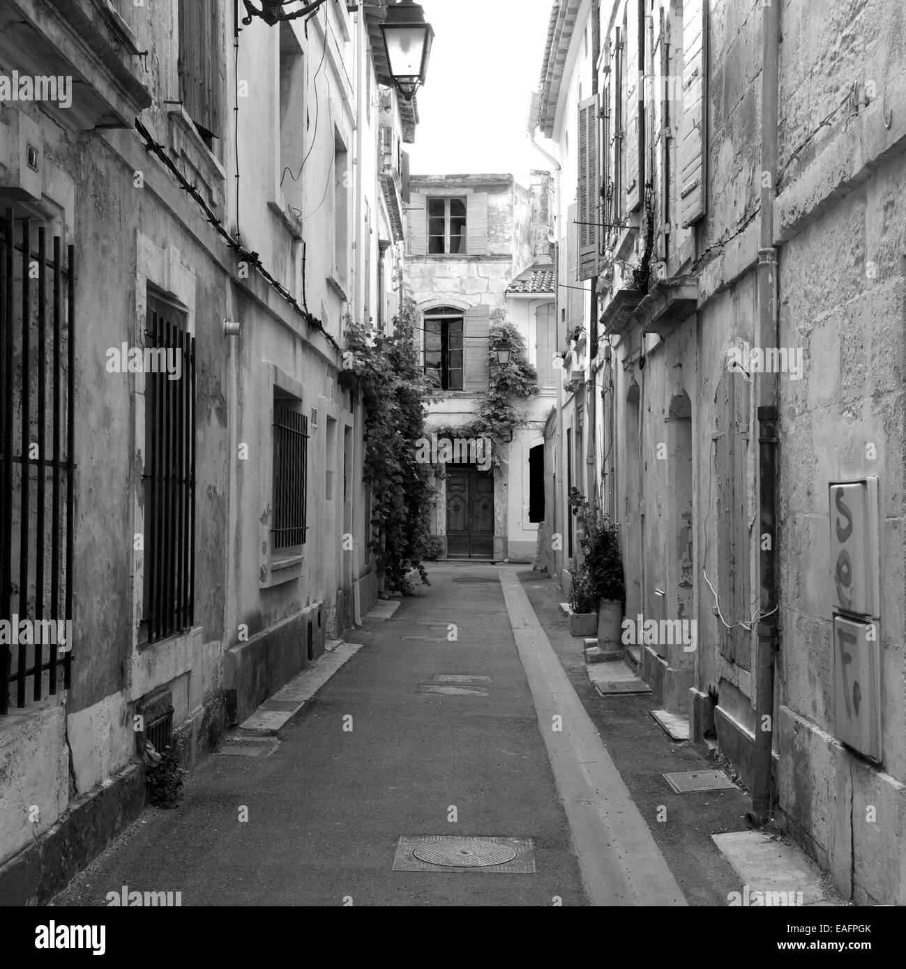 Street in Arles. Bouches-du-Rhône. France. Europe. - Stock Image