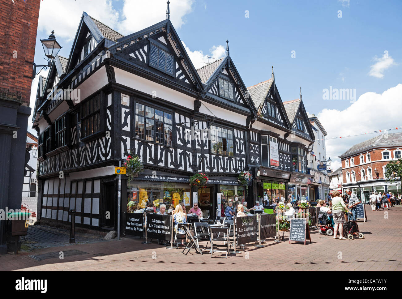 An outdoor pavement cafe in High Street in Nantwich Cheshire England UK - Stock Image