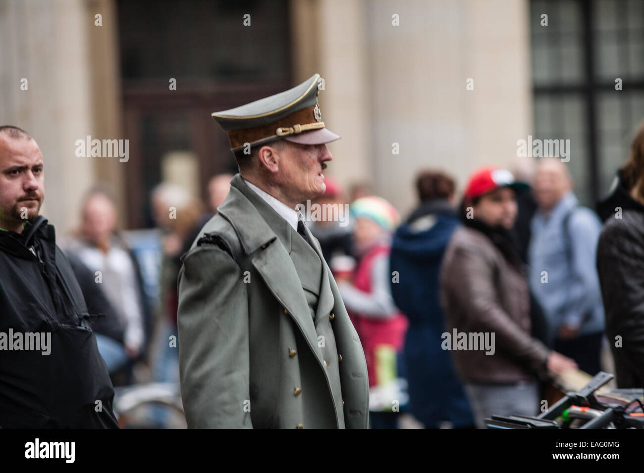 actor playing hitler stock photos actor playing hitler stock images alamy. Black Bedroom Furniture Sets. Home Design Ideas