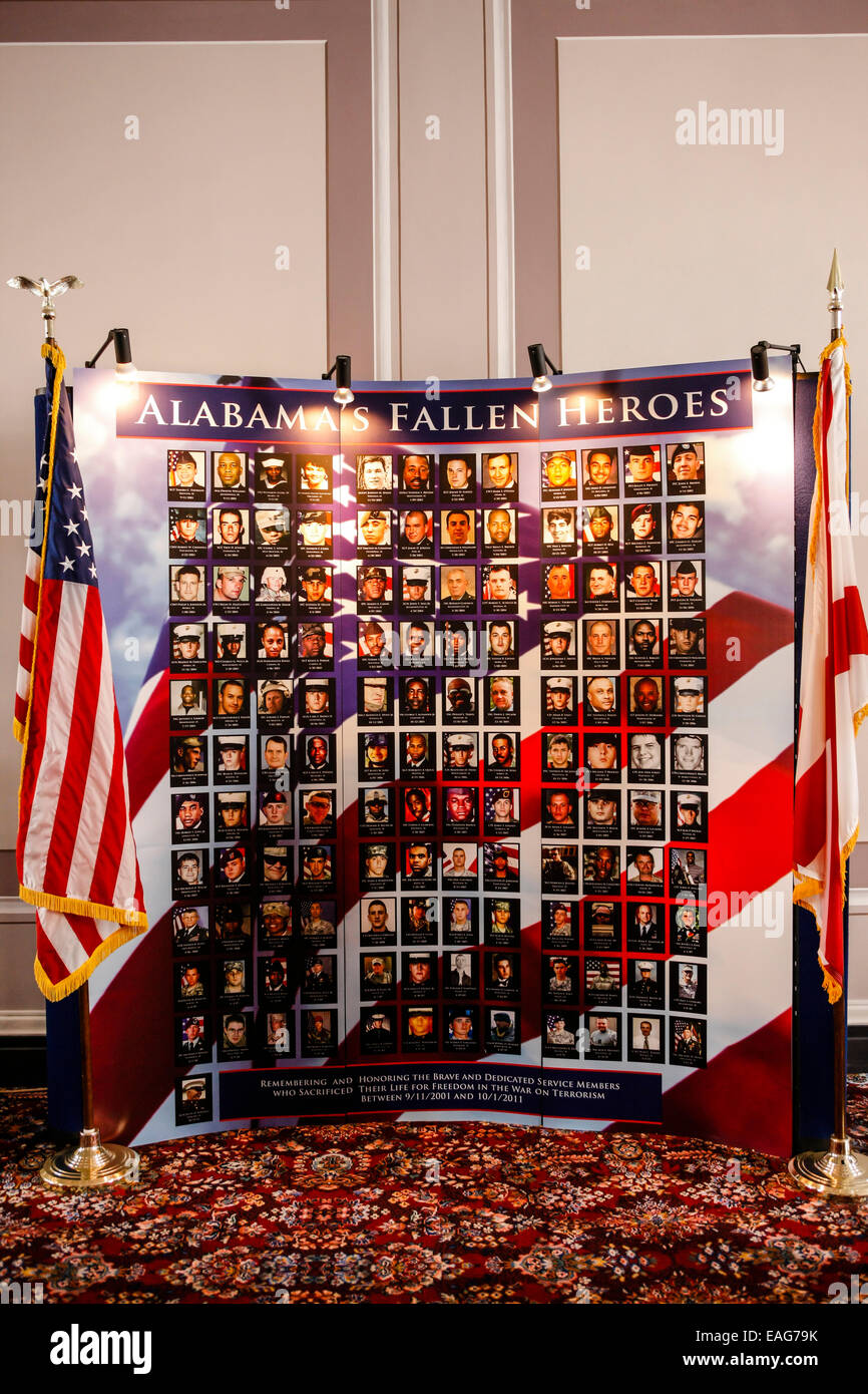 Photo wall dedicated to Alabama Fallen Heroes inside the State Capitol building - Stock Image