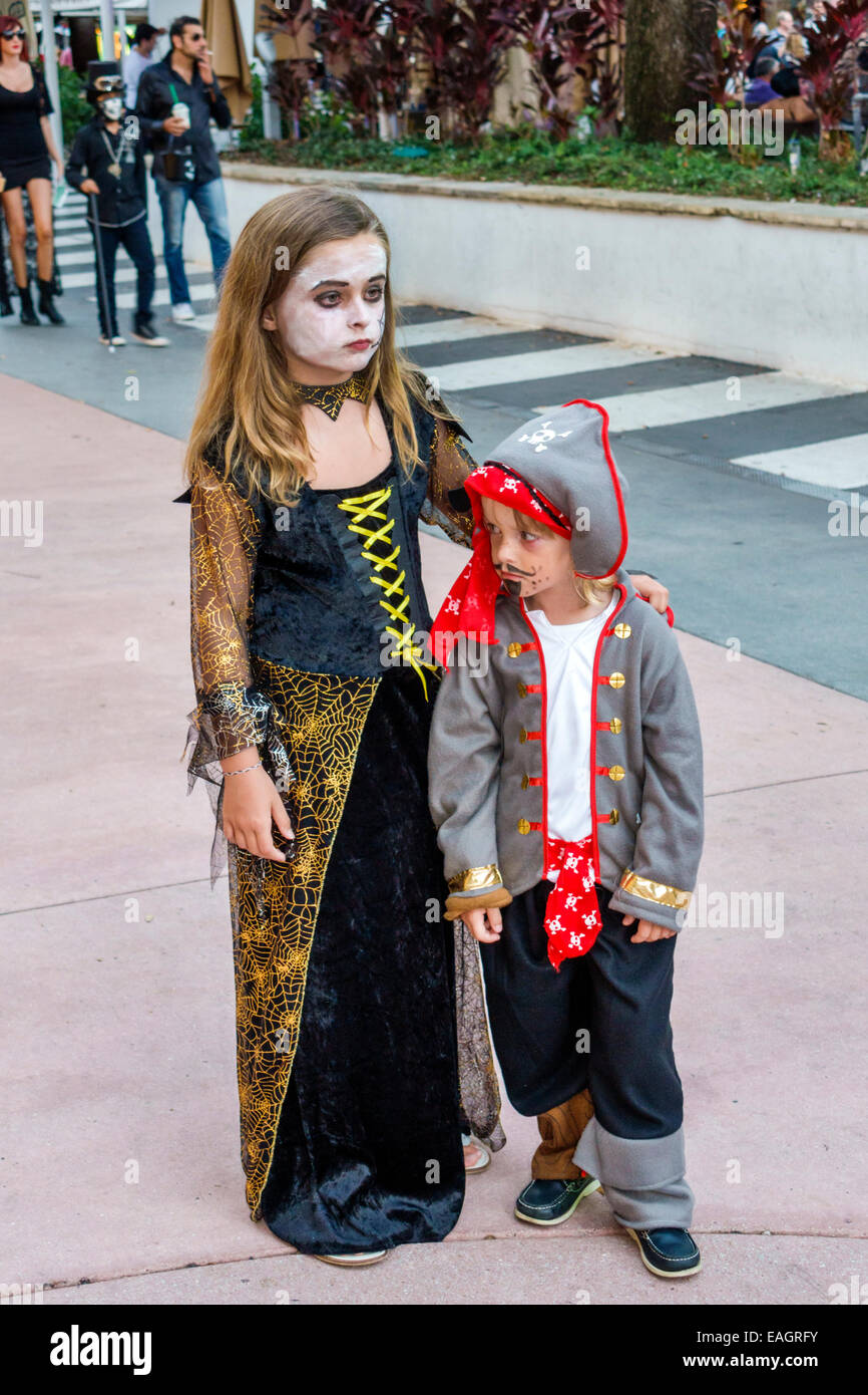 miami beach florida lincoln road pedestrian mall halloween costume wearing outfit character girl boy pirate
