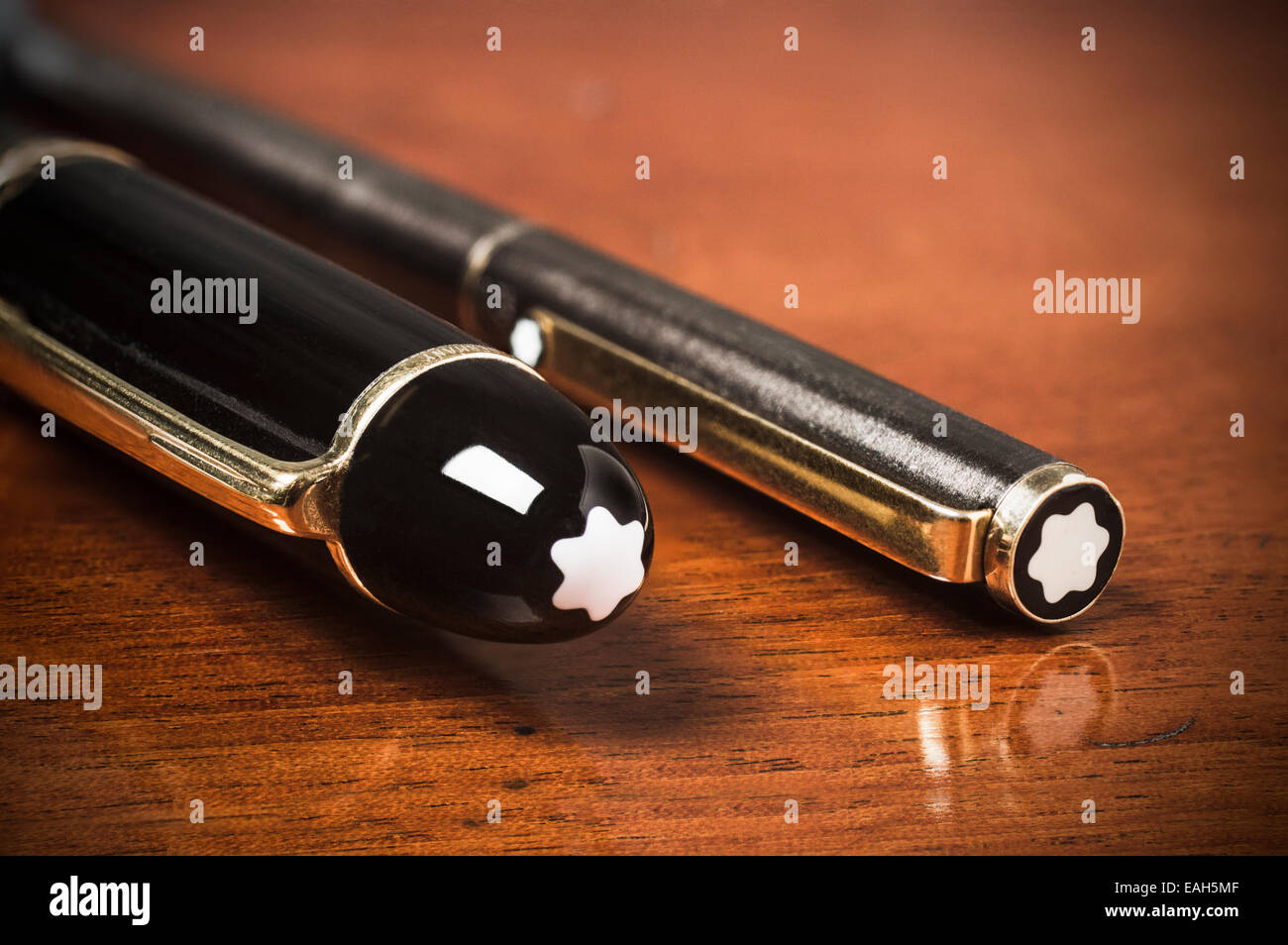 Mont Blanc pens. Meisterstuck 149 and '80's roller ball - Stock Image