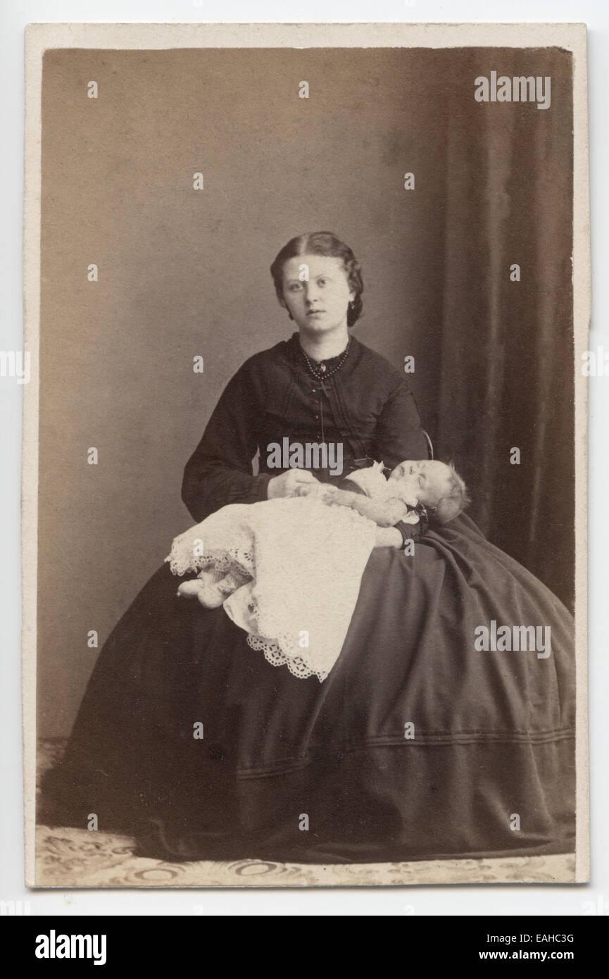 Victorian Carte De Visite Portrait Of A Young Woman