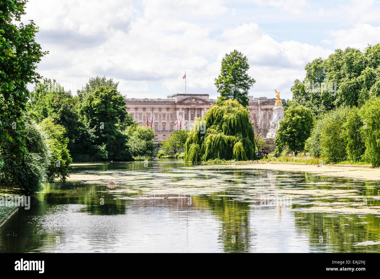 St James's Park London, with Buckingham Palace in the background Stock Photo