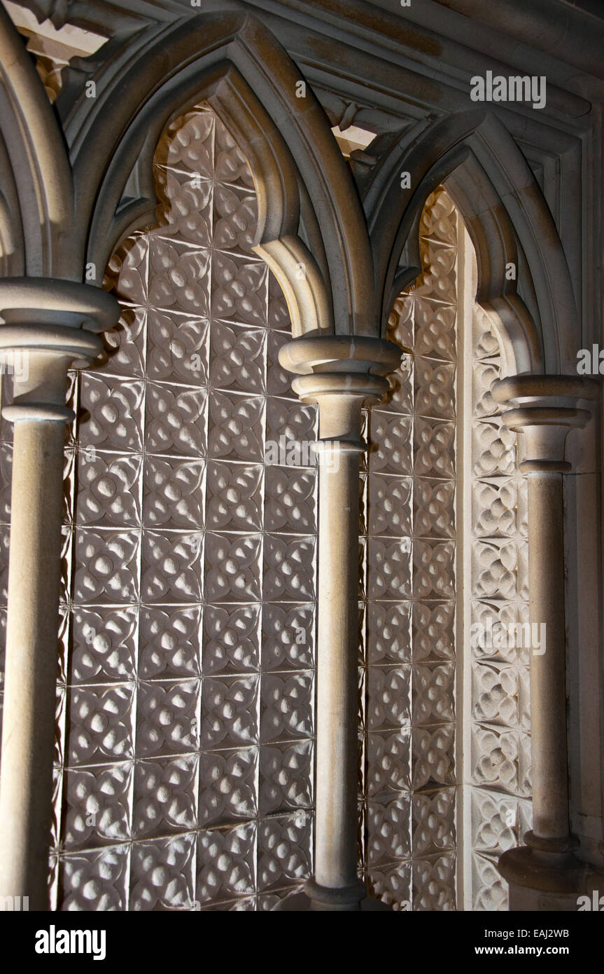 Church stone carved arcaded seating - Stock Image