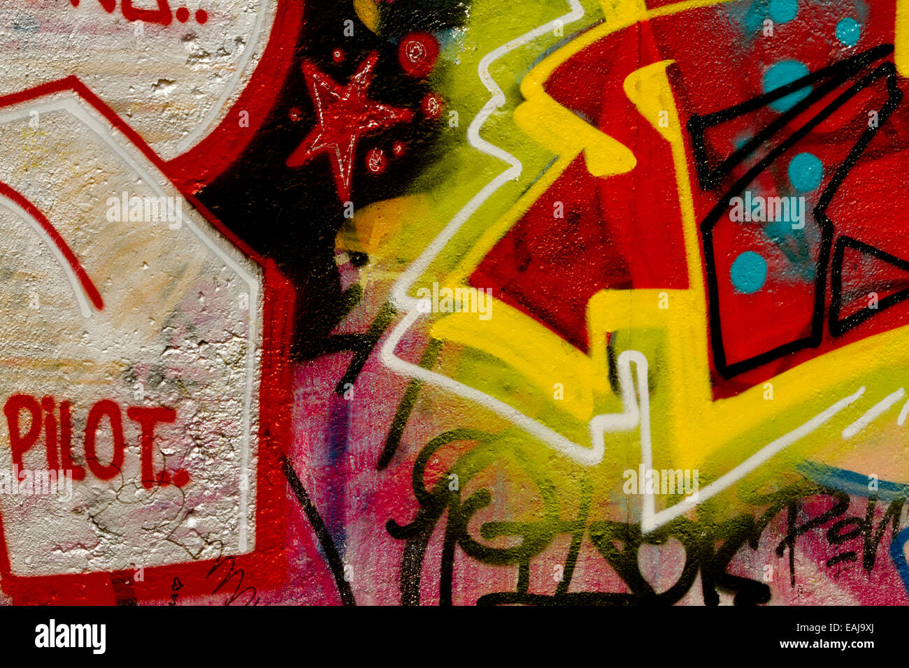 Graffiti art urban Berlin Wall pilot Tag arrow Stock Photo: 75390970 ...