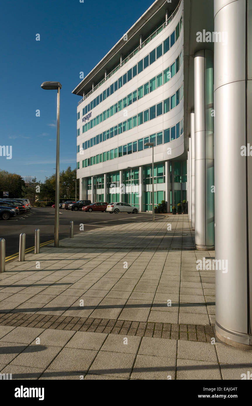 Rear of the Radisson Blu Hotel, Chicago Avenue, Manchester Airport.  Manchester, England, UK. - Stock Image