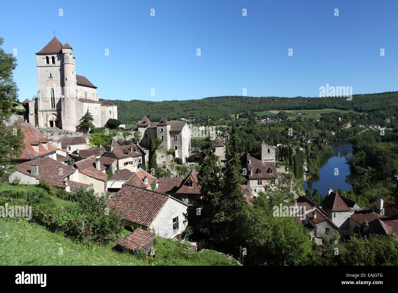 ST Cirq Lapopie a pretty medieval village perched above the Lot river, Midi-Pyrenees Stock Photo