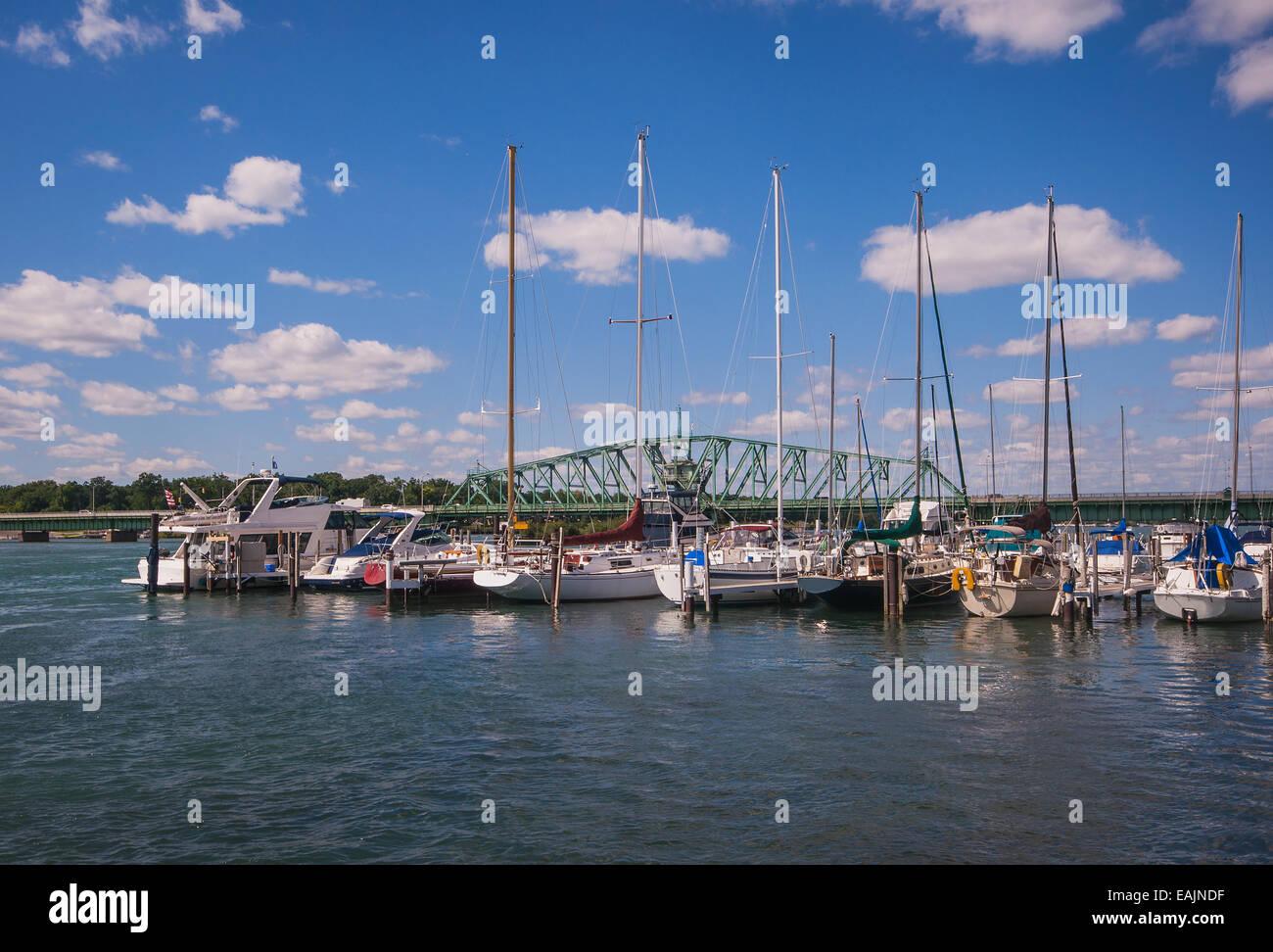 Detroit River South Boat Marina and Bridge - Stock Image