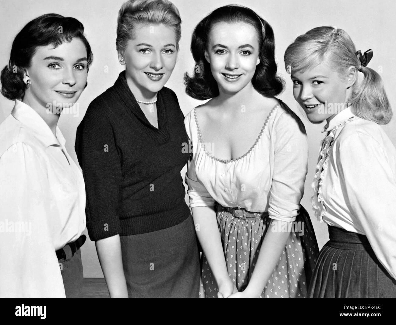 UNTIL THEY SAIL 1957 MGM film. From left: Jean Simmons, Joan Fontaine, Piper Laurie, Sandra Dee - Stock Image