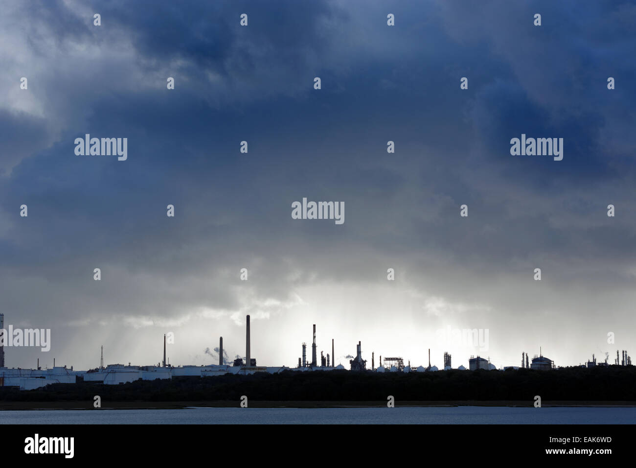 Fawley Oil Refinery, Southampton Water, Hampshire, England. - Stock Image