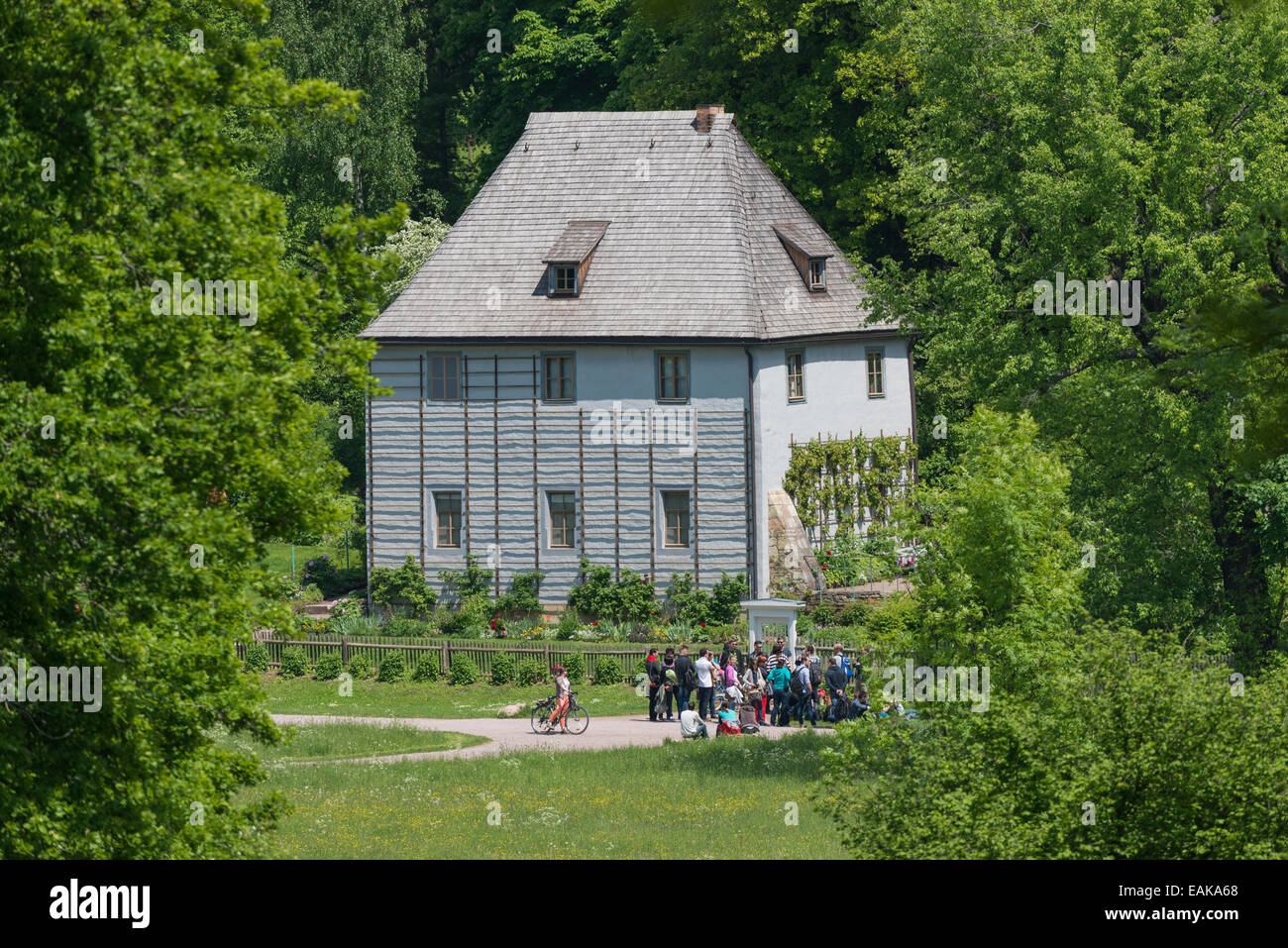 Goethe's garden house, a group of visitors in front, Park an der Ilm, Weimar, Thuringia, Germany - Stock Image