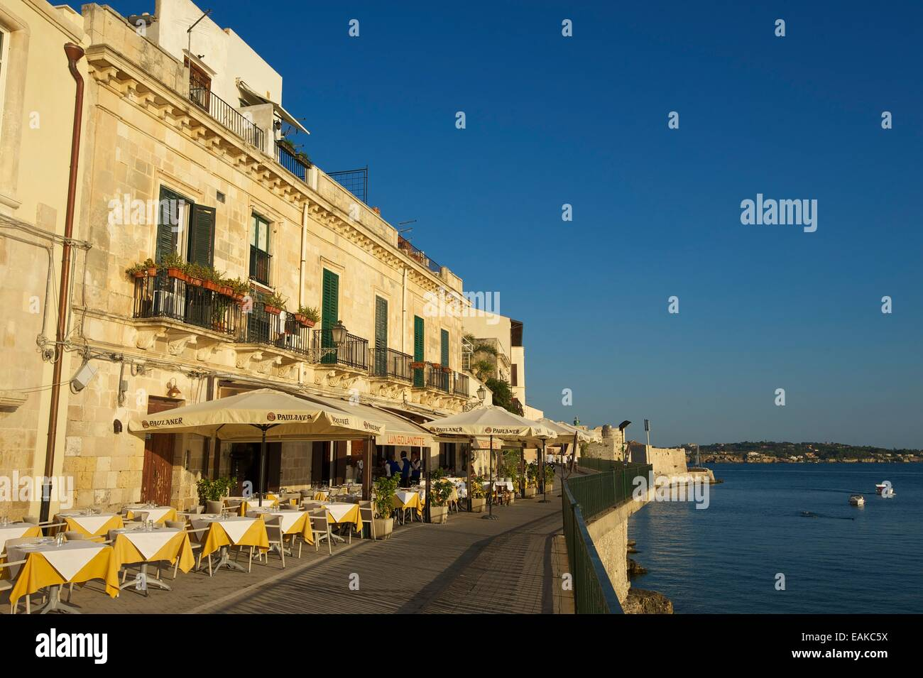 Promenade in the historic town centre, Ortygia, Syracuse, Province of Syracuse, Sicily, Italy - Stock Image