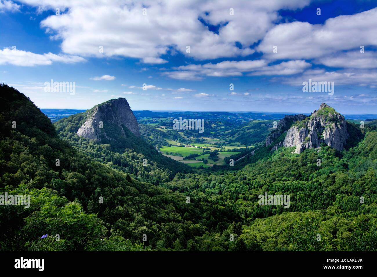 Tuiliere and Sanadoire Volcanic vents in the Massif of Sancy, Puy de Dome, Auvergne, France, Europe - Stock Image