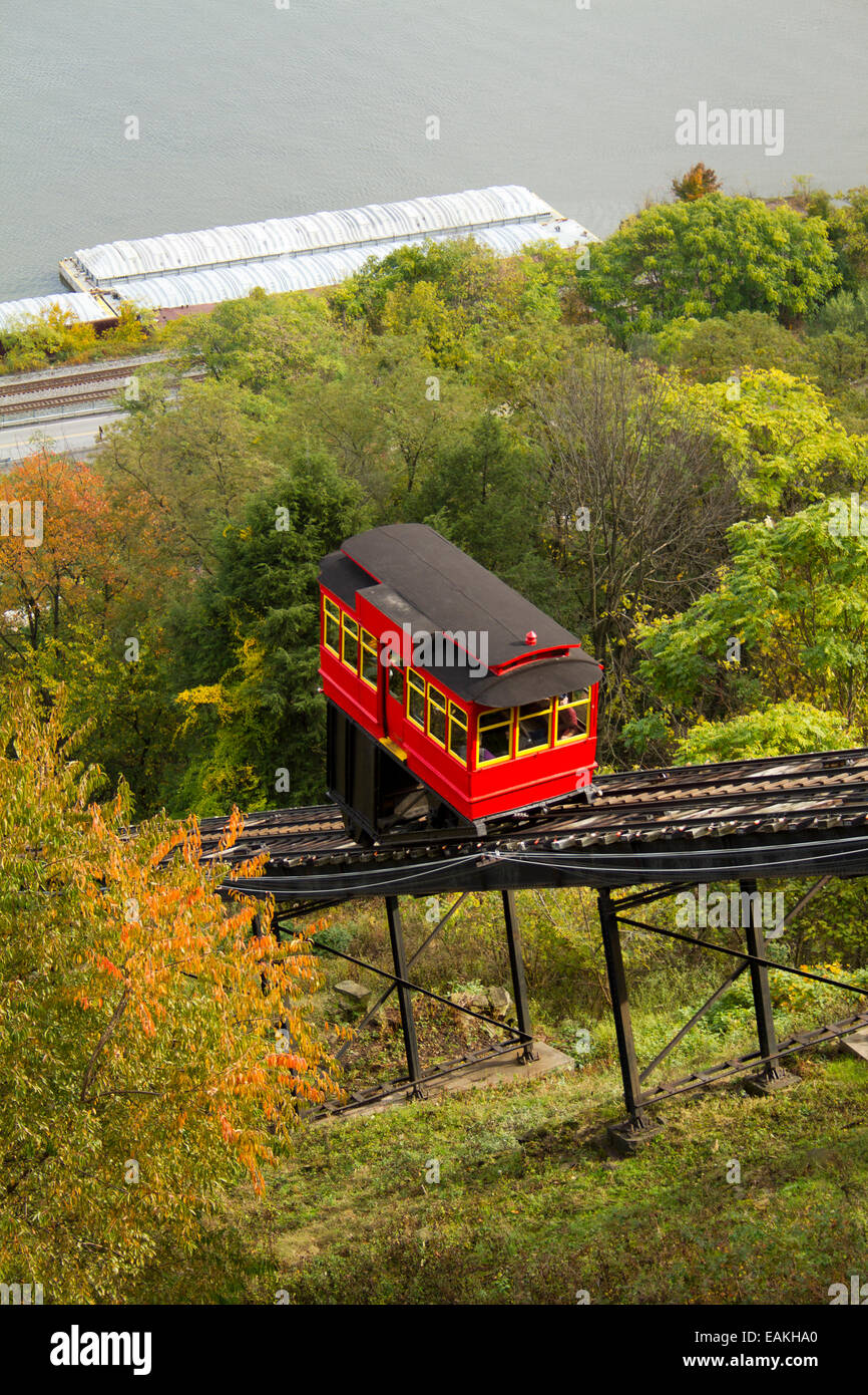 Duquesne Incline from Mount Washington in Pittsburgh, Pennsylvania with falls colors - Stock Image