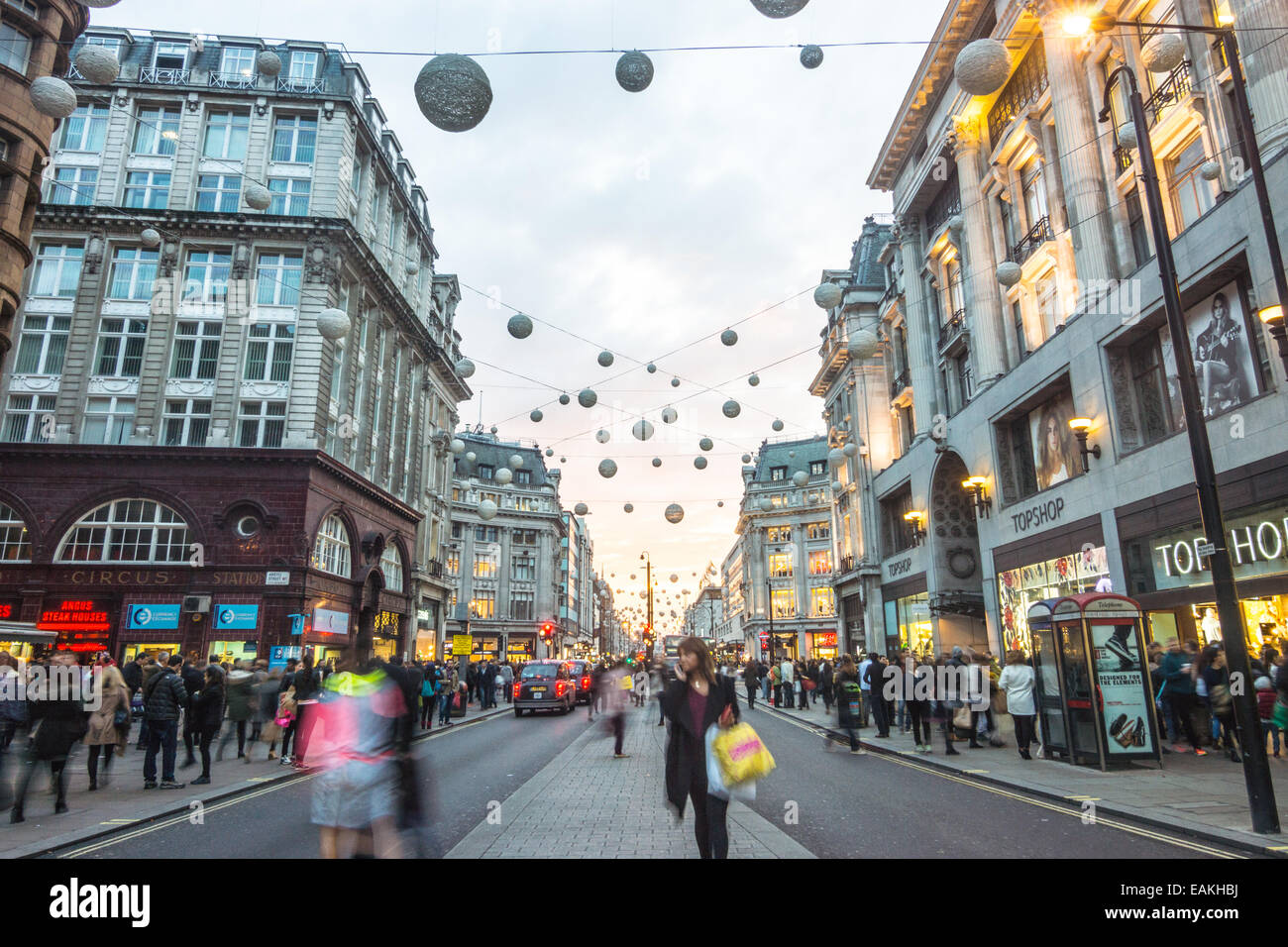 oxford street with shoppers - Stock Image