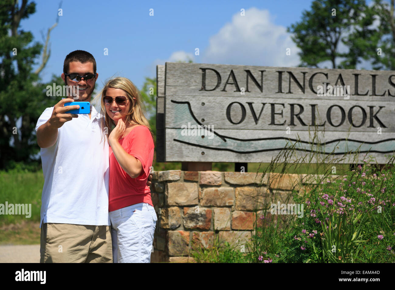 Couple at Dan Ingalls Overlook, Bath County, Virginia near Homestead Resort - Stock Image