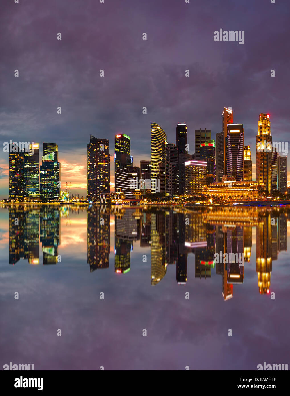 Singapore cityscape at sunset - Stock Image