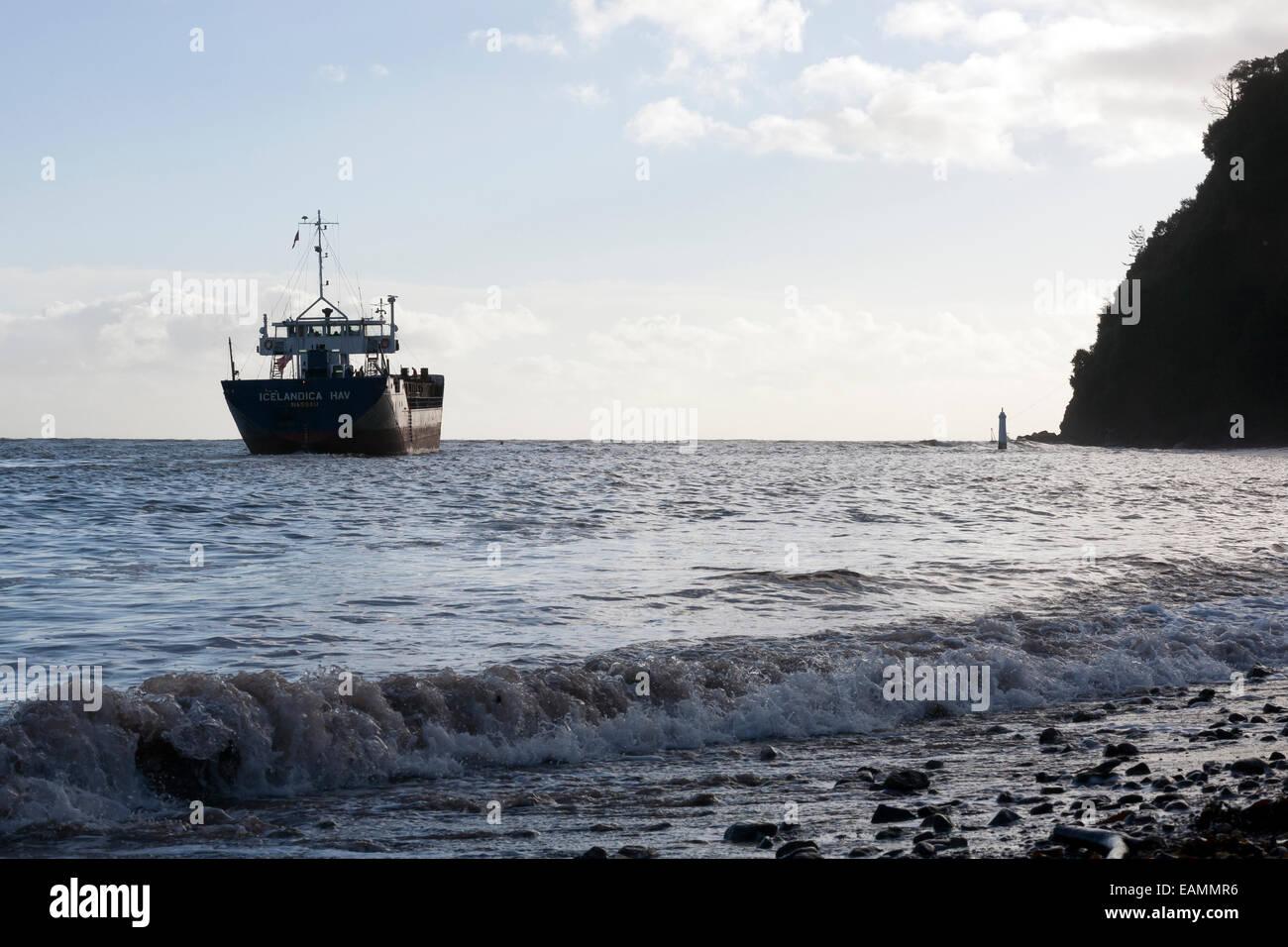 container ship icelandica hav leaving Teignmouth,Devon,Shaldon,General Cargo, shipping, ship, cargo, front, aerial, - Stock Image