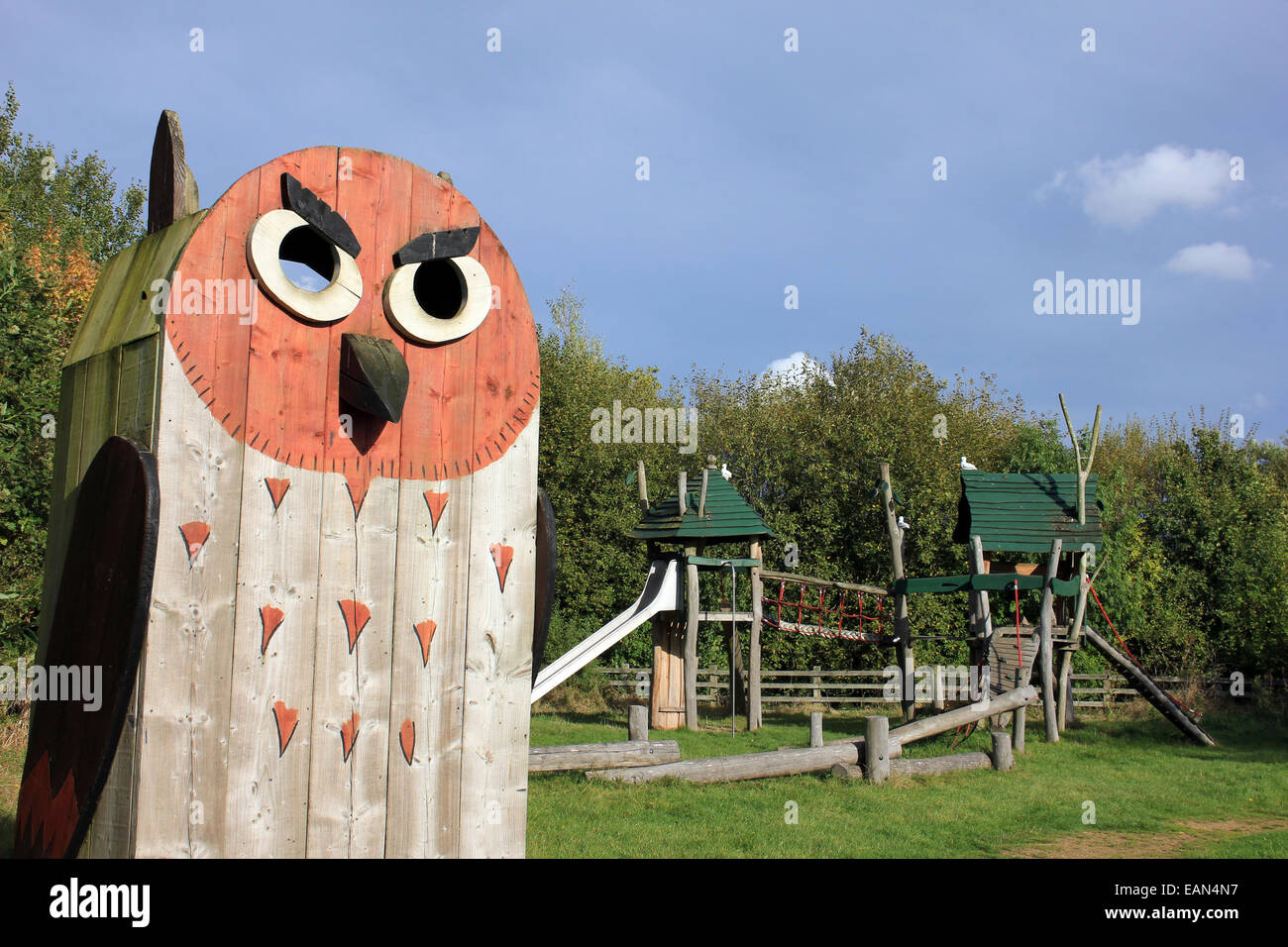 Giant Wooden Owl In the Adventure Playground Of Old Moor RSPB Reserve, Yorkshire, UK Stock Photo