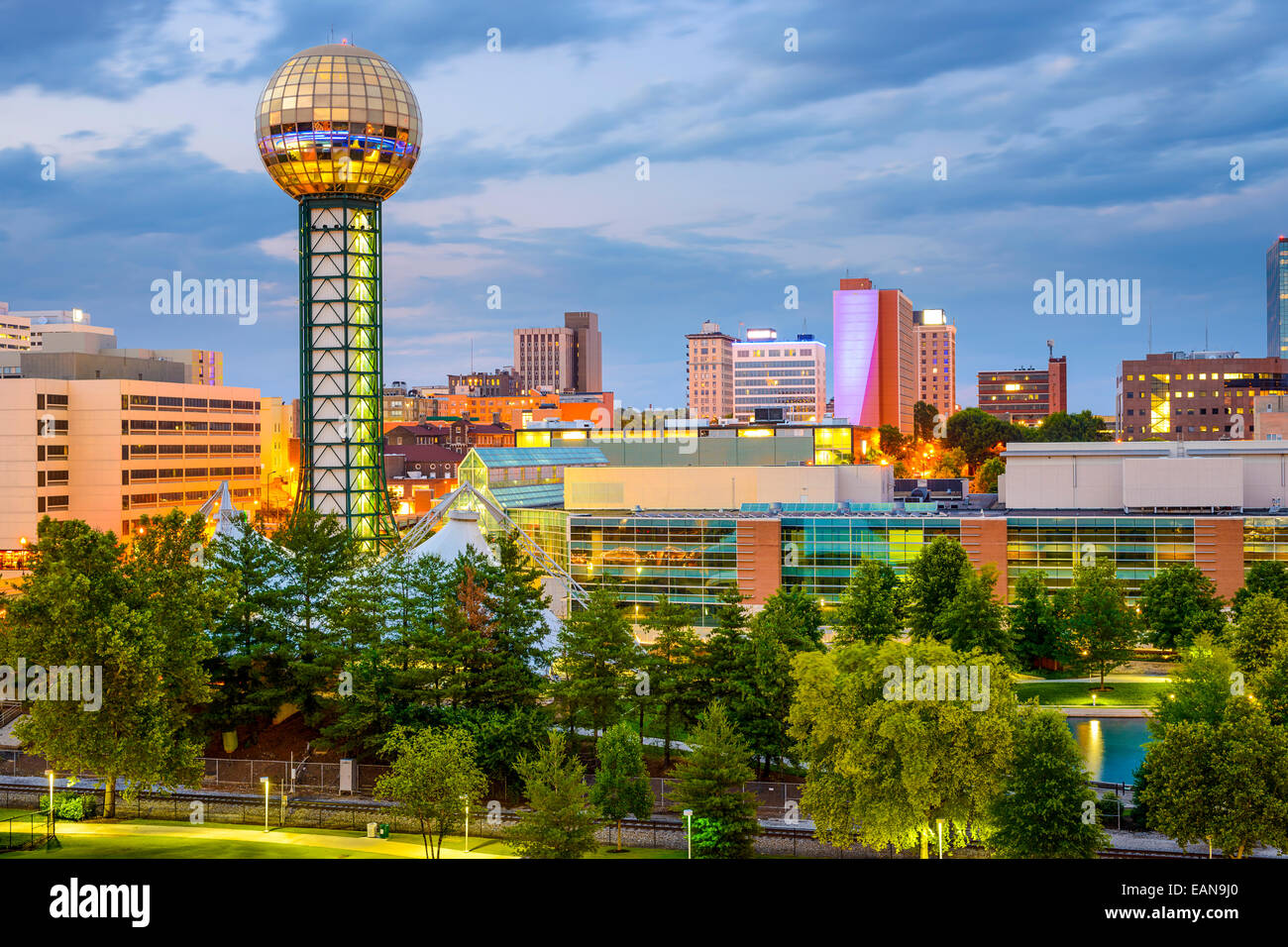 Knoxville, Tennessee, USA city skyline at World's fair Park. - Stock Image