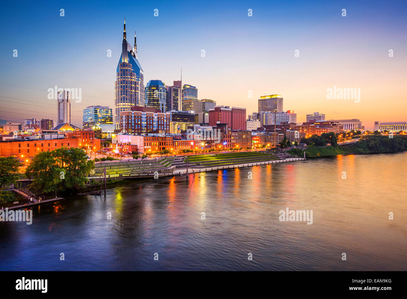 Nashville, Tennessee, USA downtown skyline on the Cumberland River. - Stock Image