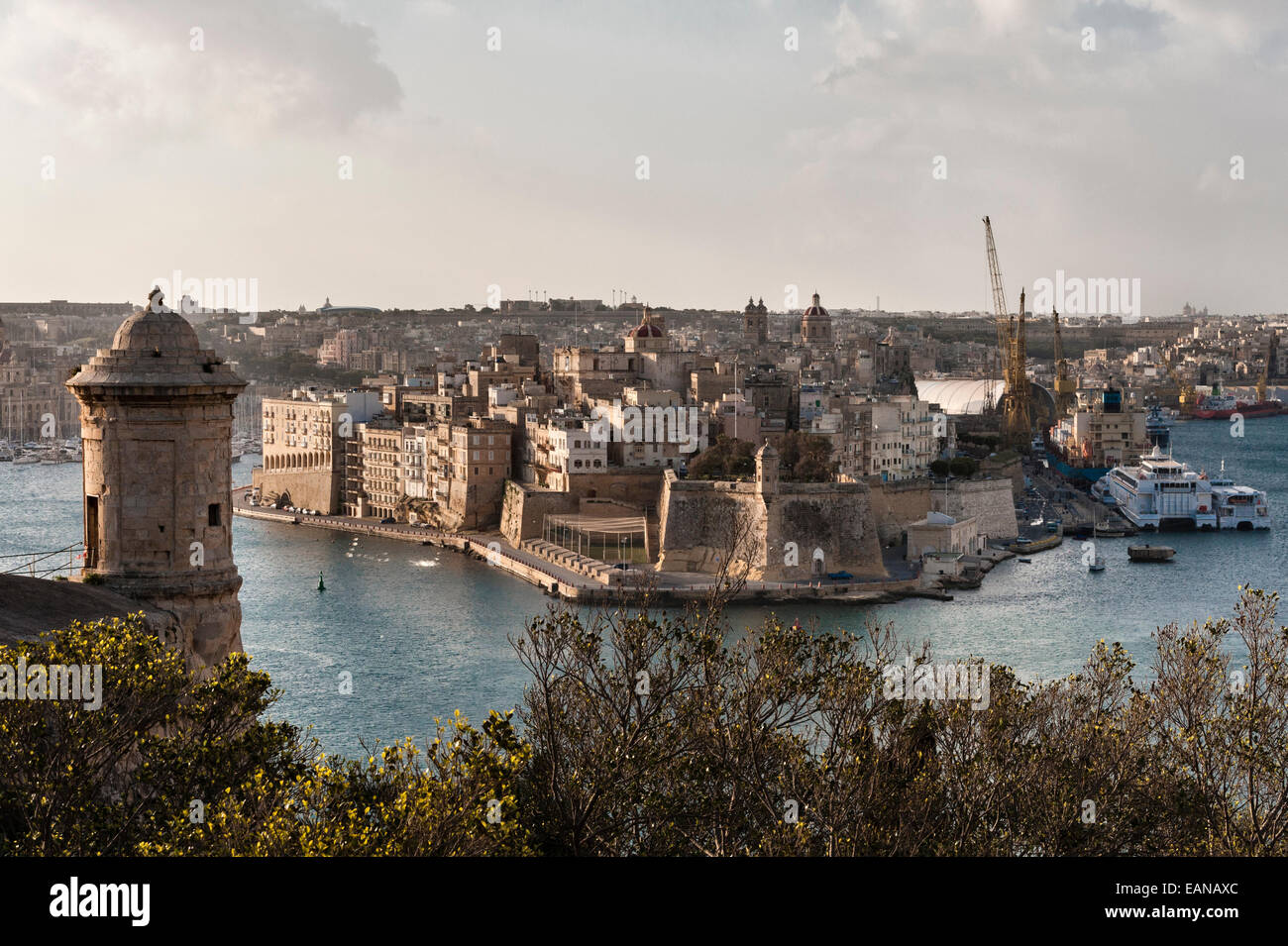 Senglea, Malta. Fort Saint Michael and the Grand Harbour seen from the Upper Barrakka Gardens in Valletta - Stock Image