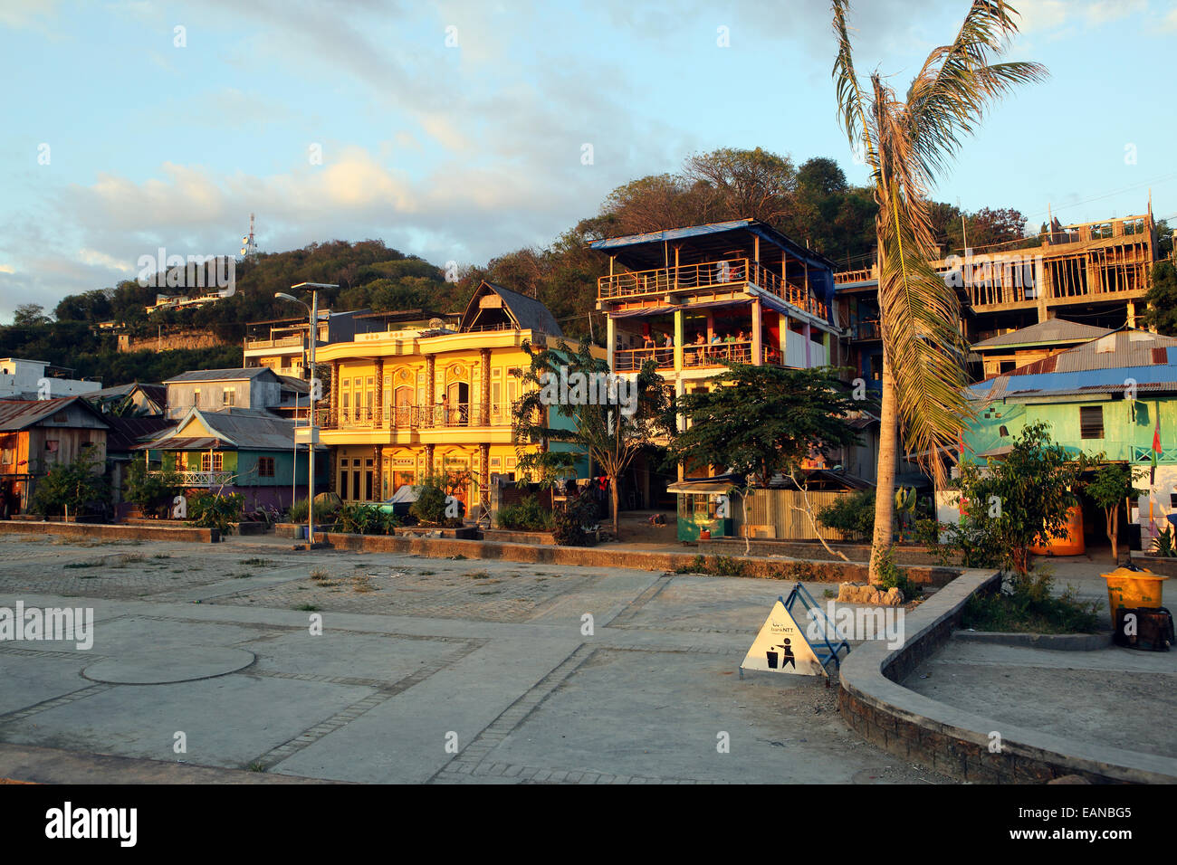 Tourism buildings along the waterfront in Labuan Bajo, Flores. - Stock Image