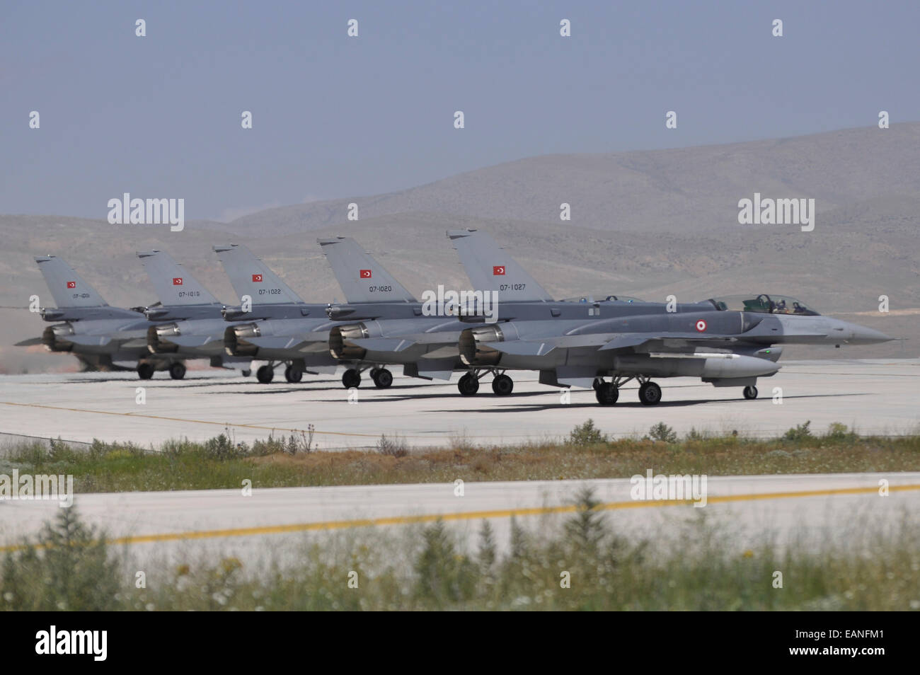 Turkish Air Force F-16C/D Block 52+ aircraft on standby at Konya Air Base, Turkey, during Exercise Anatolian Eagle - Stock Image