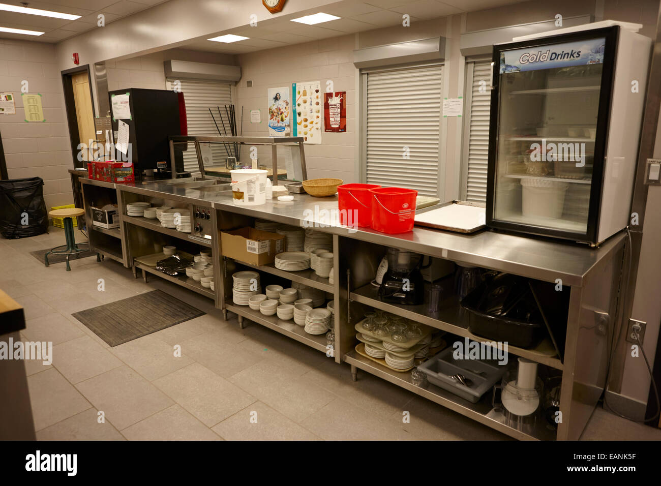 serving counter in a north american high school canteen - Stock Image