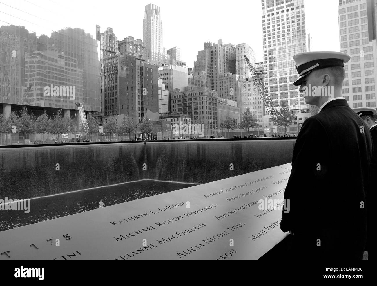 A serviceman pauses at the Ground Zero memorial to remember those killed in the 9/11 terrorist attacks. NYC. 19/11/2011 - Stock Image