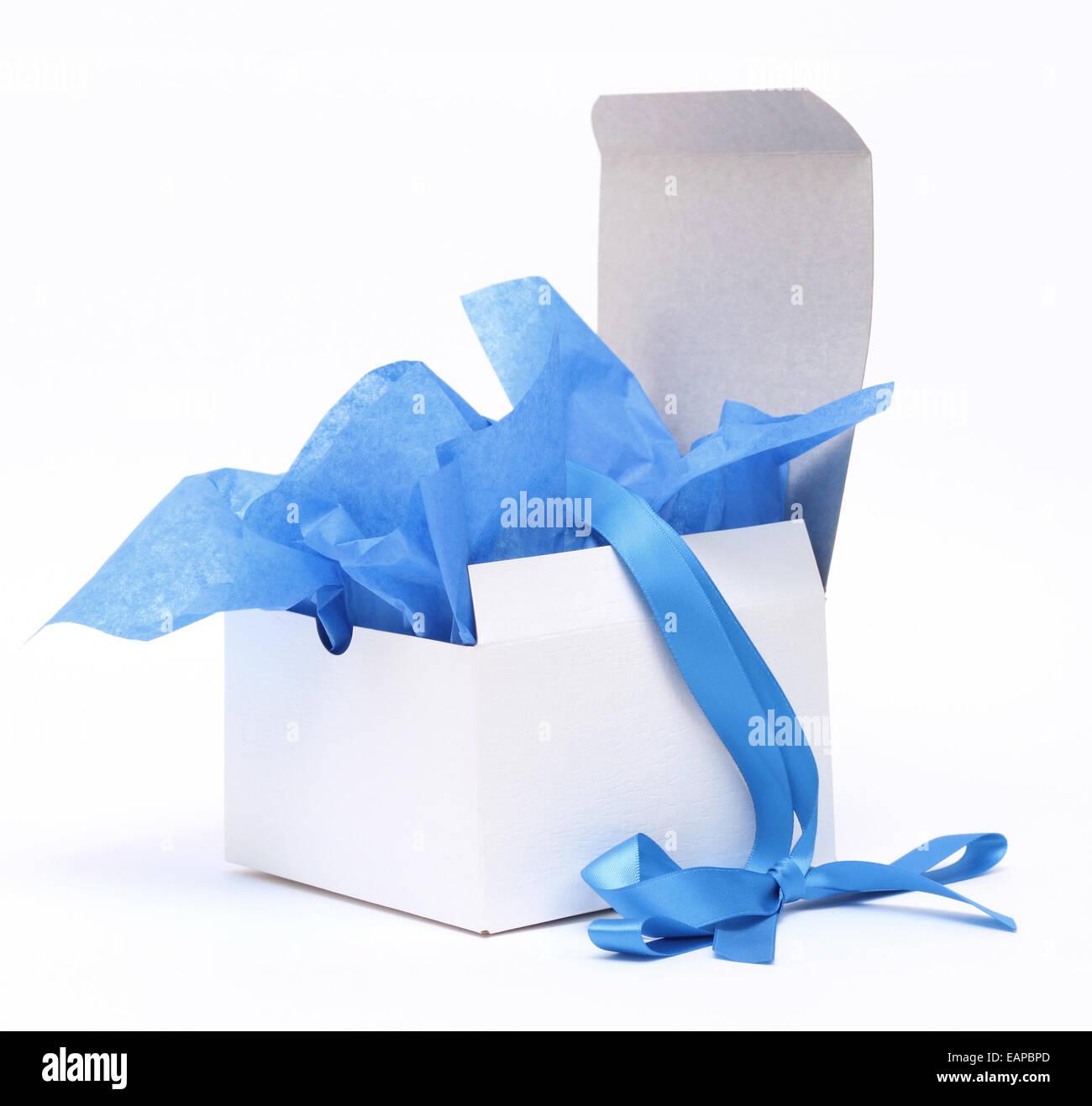 White gift box /& tissue paper