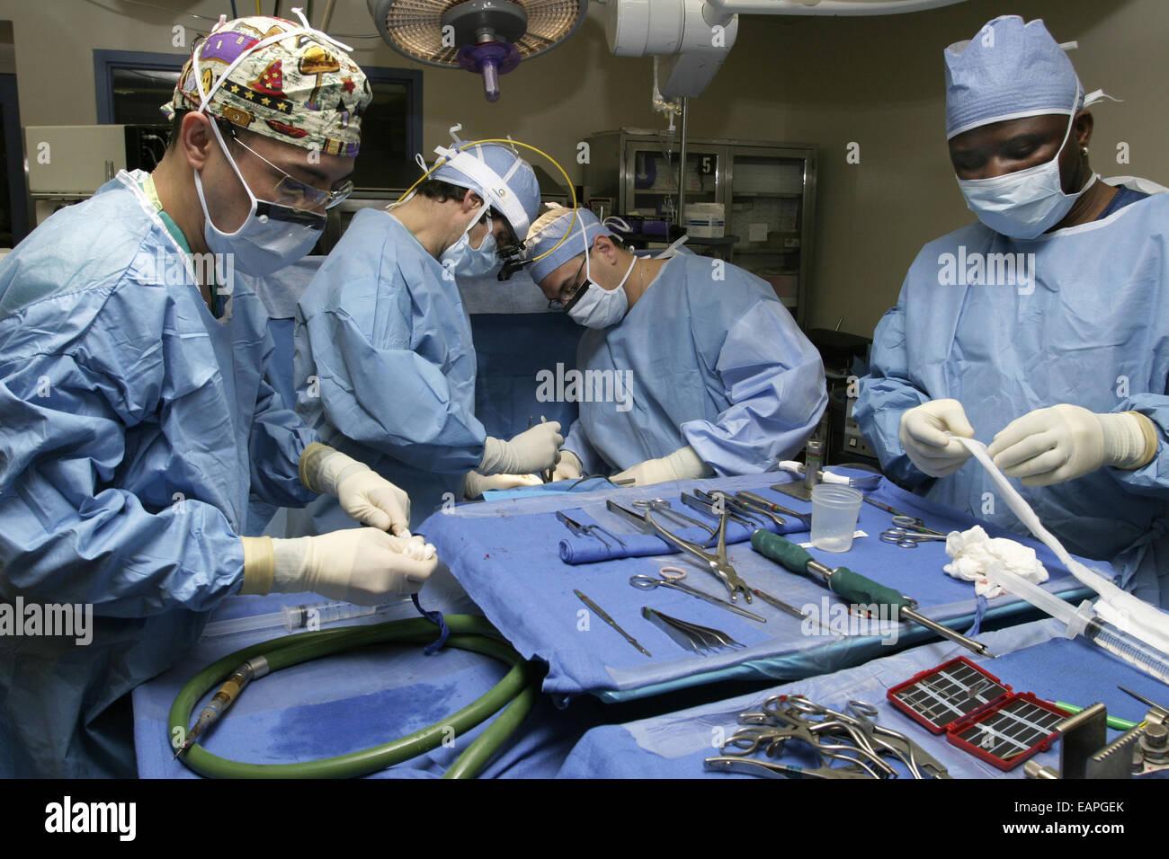 Neurosurgery Usa Stock Photos & Neurosurgery Usa Stock Images - Alamy