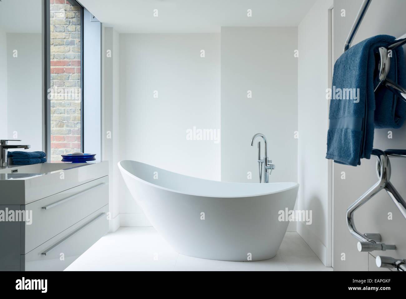 Isis bath by Ashton and Bentley in white minimal bathroom Stock ...
