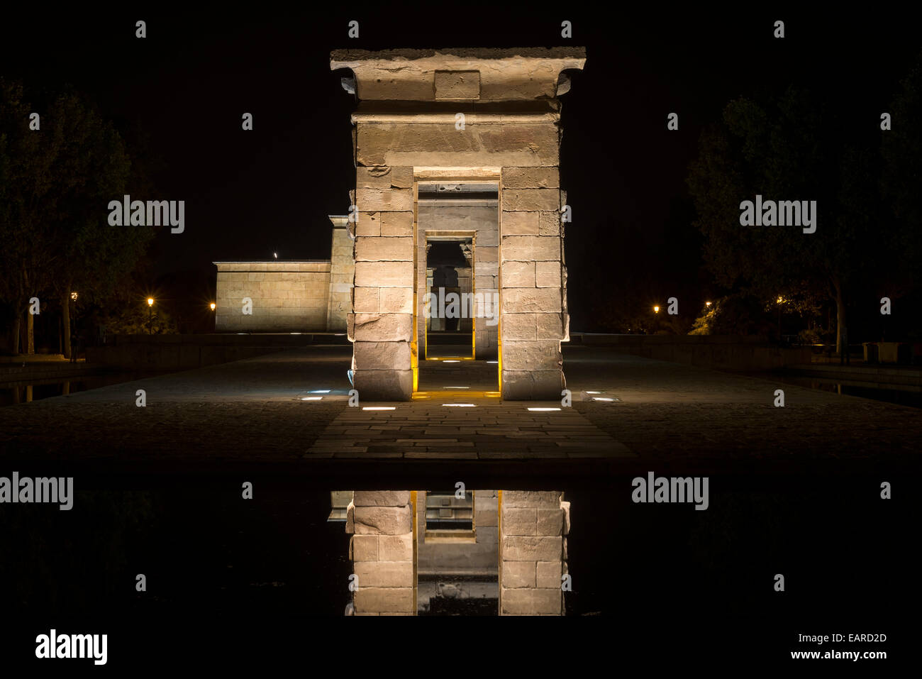 Debod Temple at night with suggestive lights and reflections - Stock Image