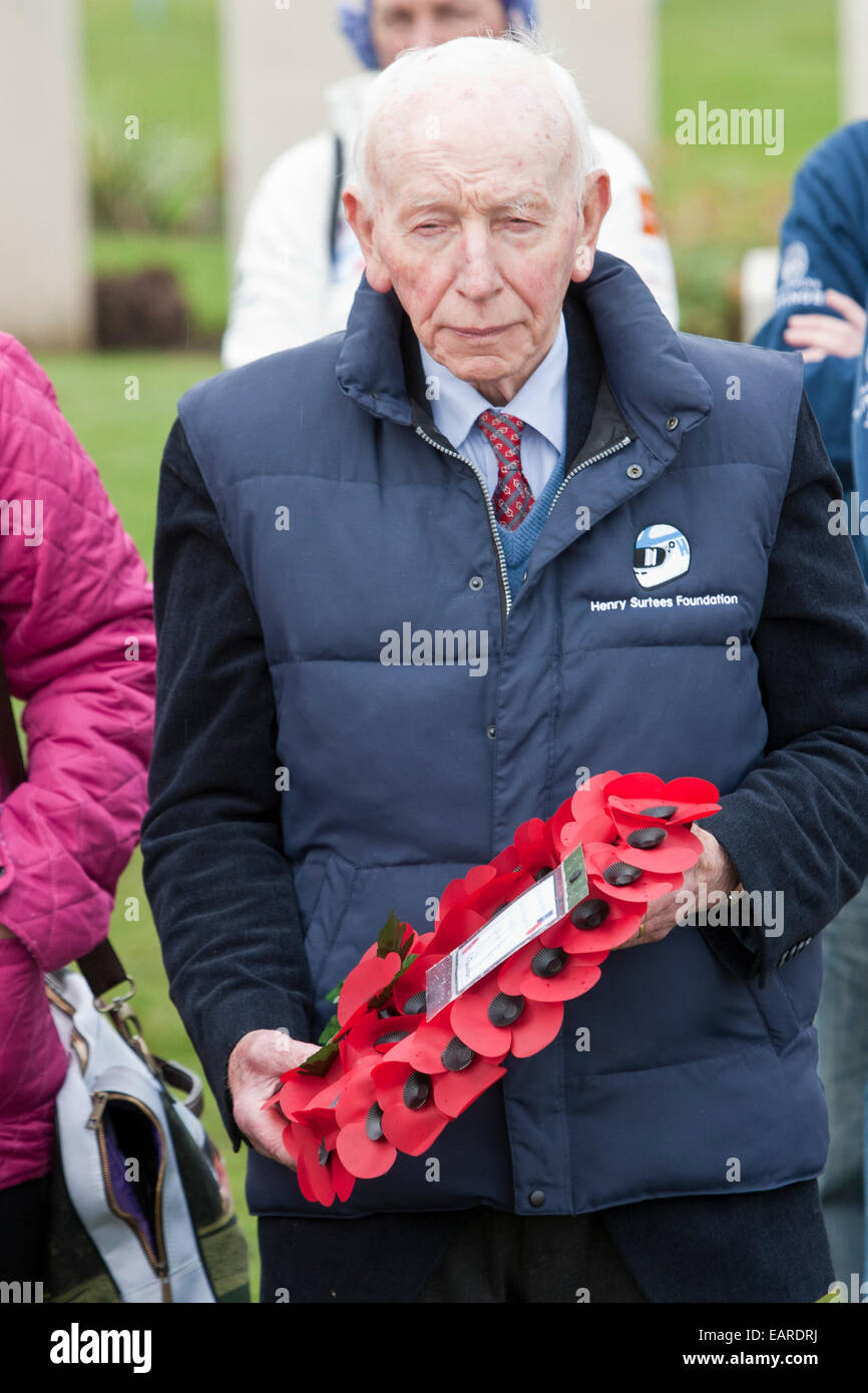 former F1 World Champion John Surtees OBE laying a wreath at Tyne Cot Cemetery in Belgium on behalf of the Beajolais Stock Photo