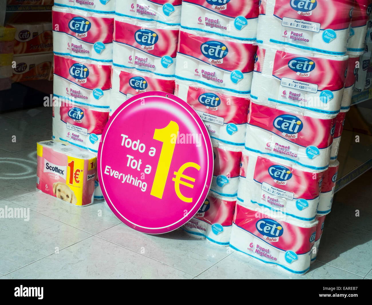 Toilet Rolls on sale in a One Euro shop, Javea, Valencia, Spain. - Stock Image