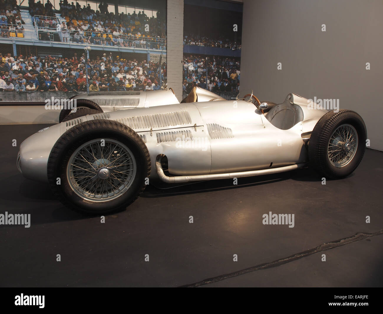 1939 Mercedes-Benz W154 Grand Prix, 12 cylinders, 2962cm3, 480hp, 280kmh, photo 2 - Stock Image