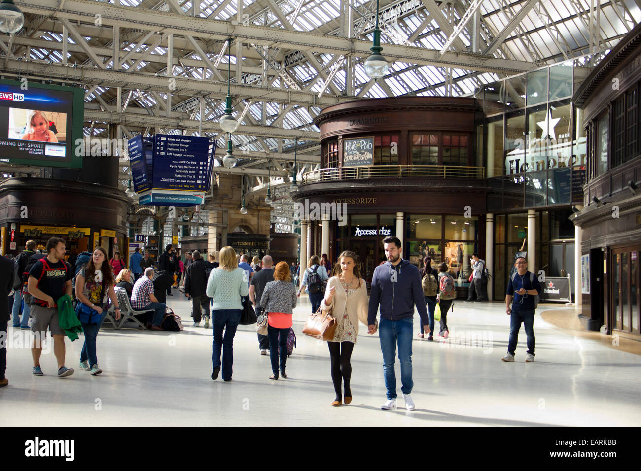 Grand Central Station Concourse in Glasgow  - Scotland - Stock Image