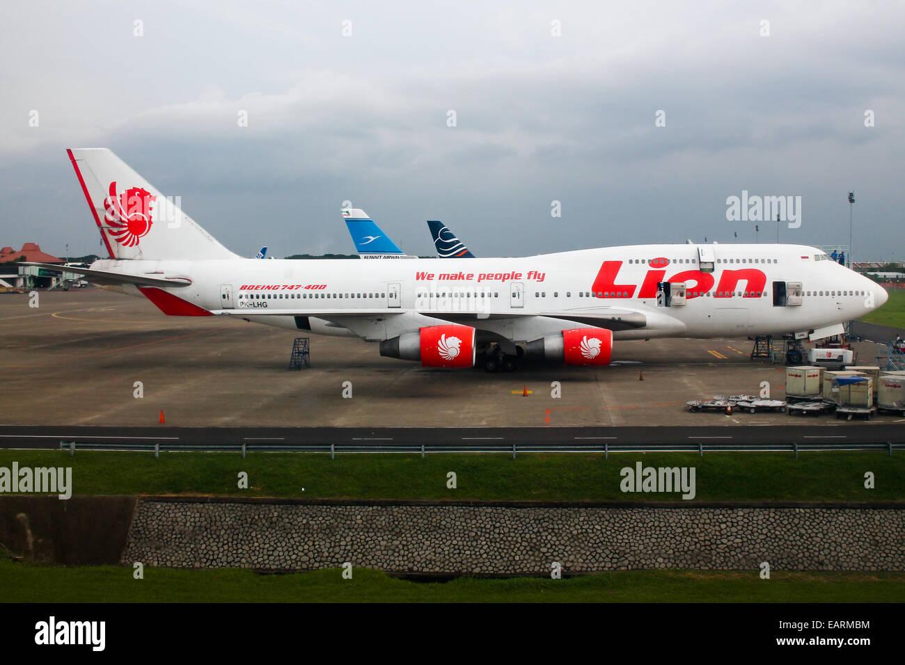 Lion air boeing 747 400 awaits the next hajj pilgrimage to mecca lion air boeing 747 400 awaits the next hajj pilgrimage to mecca stopboris Images