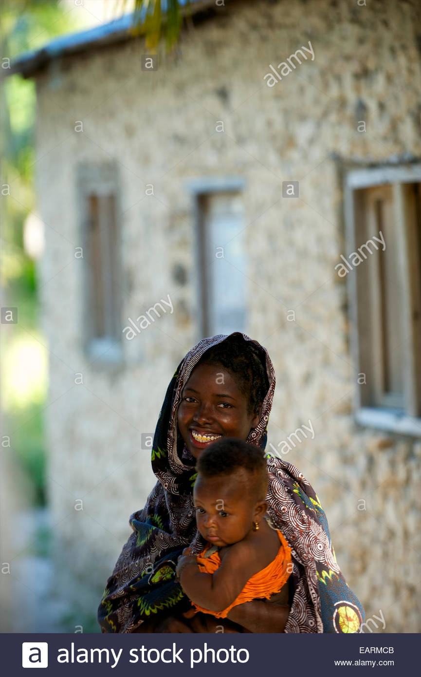 A mother and child on Matemo Island in the Quirimbas Archipelago. - Stock Image