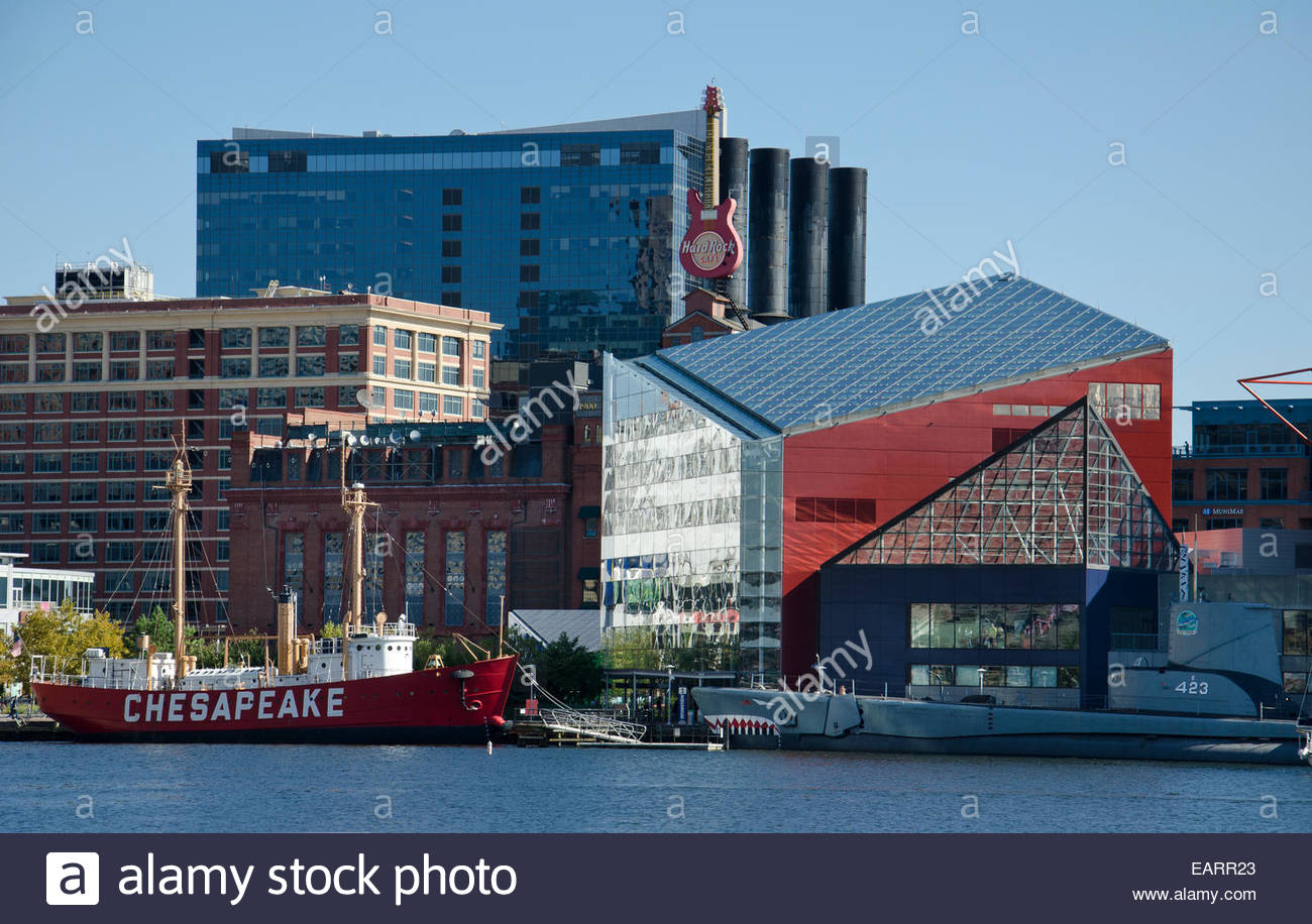 Baltimore Harbor and the National Aquarium. - Stock Image