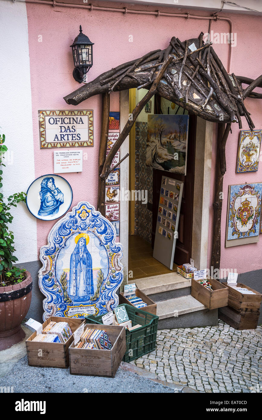 Azulejo Tiles Shop Stock Photos & Azulejo Tiles Shop Stock Images ...