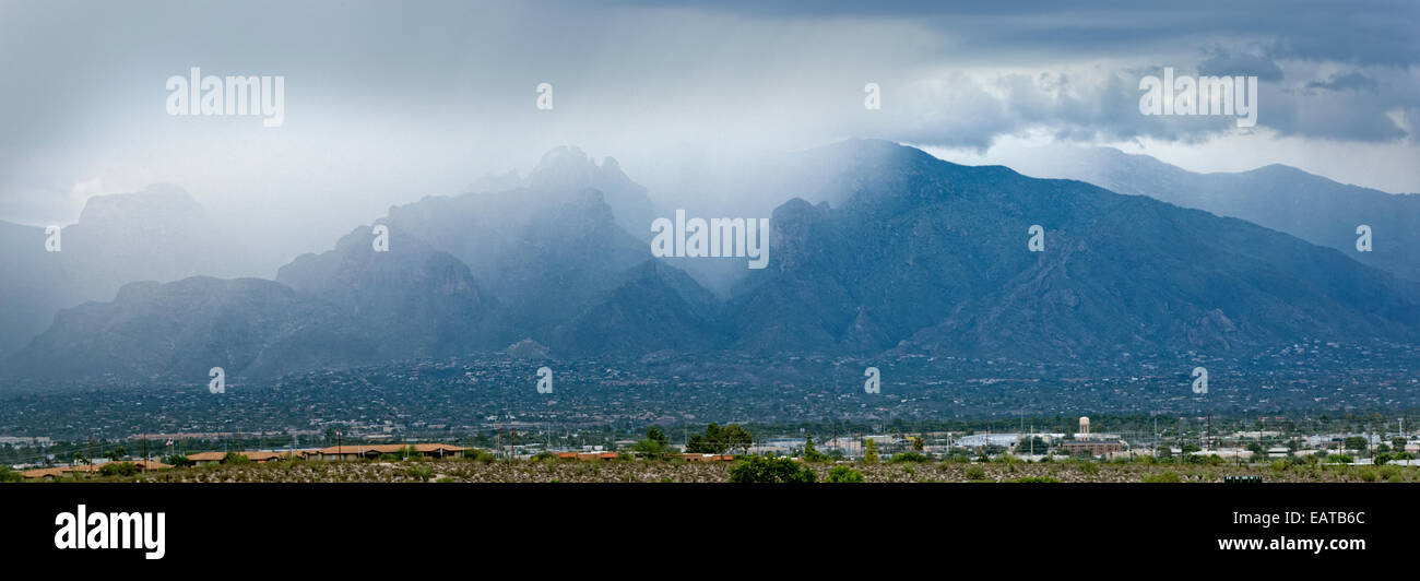 Seasonal Monsoons Over the Catalina Mountains, Tucson, Arizona - Stock Image
