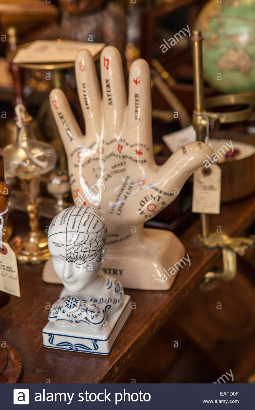 Antique shop in French Quarter. - Stock Image