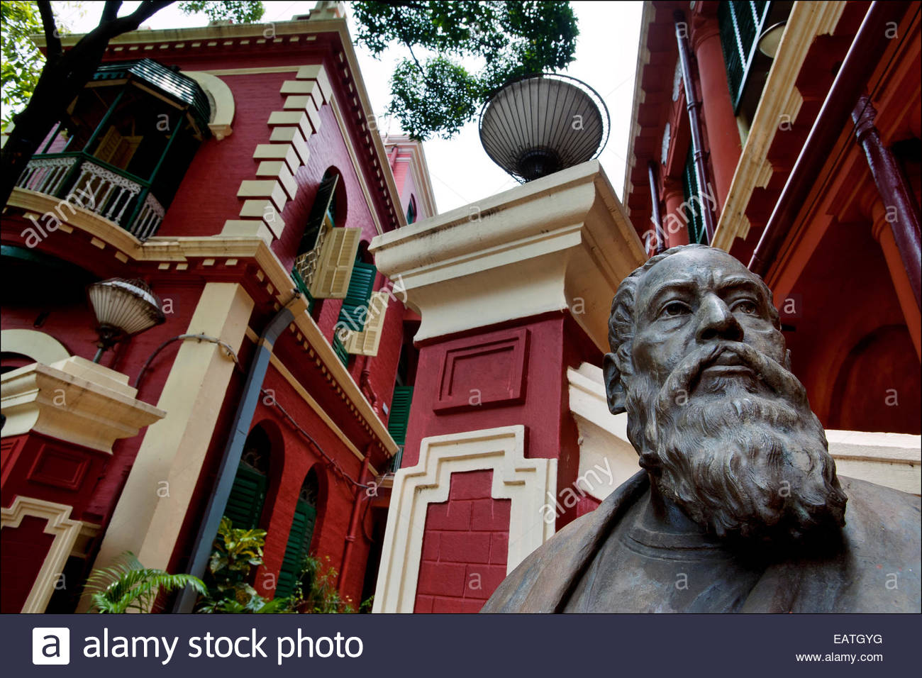 A bust of poet, playwright, and nobel prize laureate Rabindranath Tagore dominates the Tagore family mansion, now Stock Photo