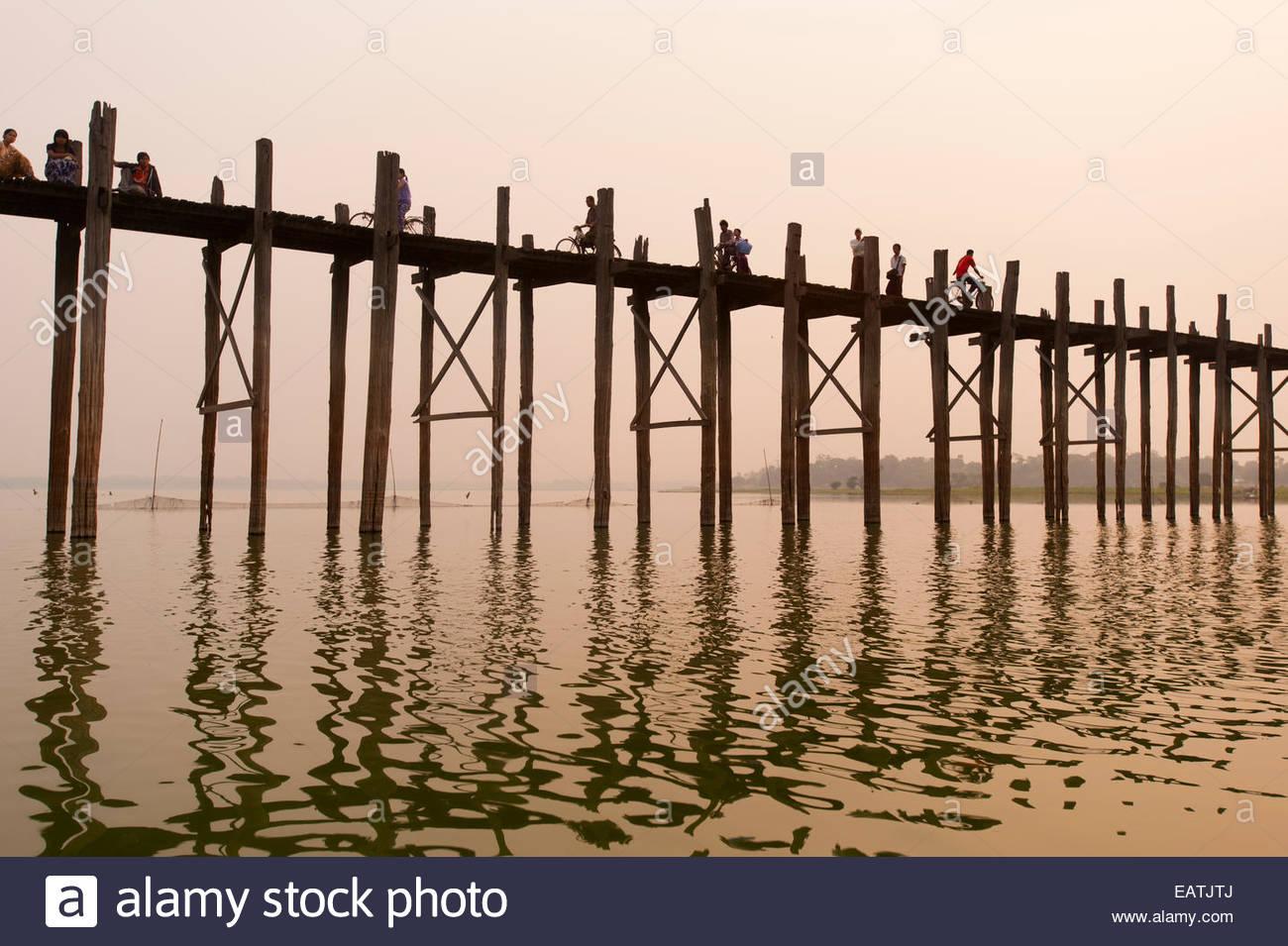 The 1.2 km wooden footbridge is the longest teak bridge in the world. - Stock Image