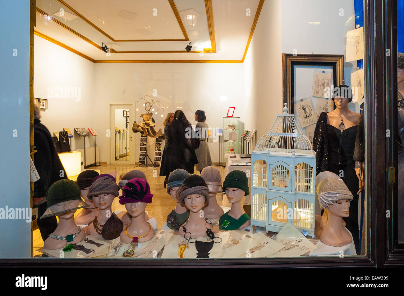 Turin, Italy. 20th November, 2014. Inauguration of temporary stores and 10 with bubbles suspended inside each, a - Stock Image