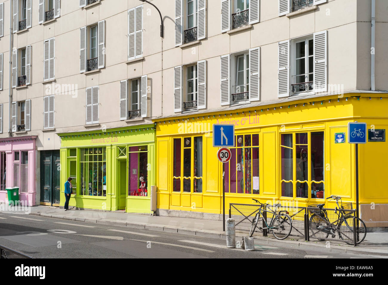 Boutiques and shops along the Quai de Valmy, Paris, Îsle-de-France, France - Stock Image