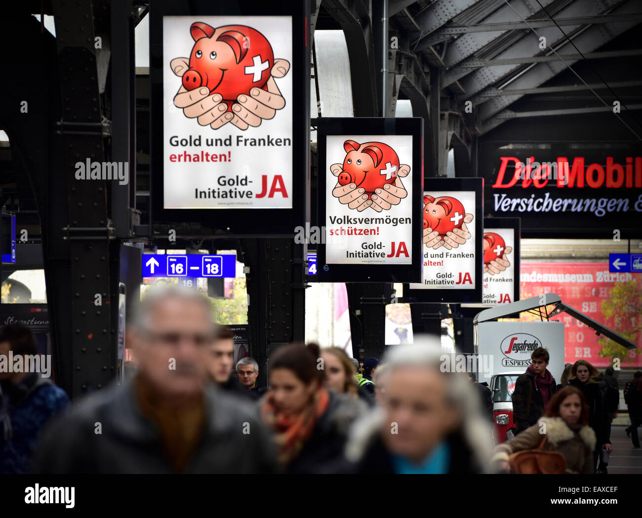 Zurich, Switzerland. 21st Nov, 2014. Plenty of referendum campaign posters for the Swiss 'Gold Initiative' - Stock Image